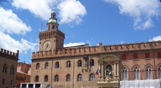 palazzo accursio bologna