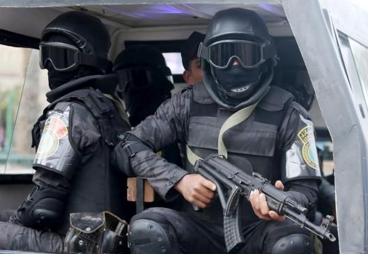 agenti repressione in egitto