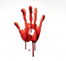 mani sporche di sangue